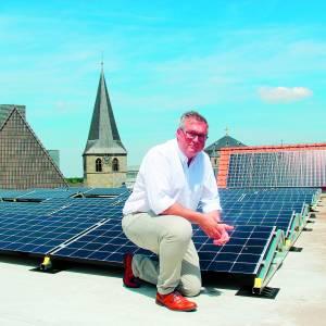 Gemeente Dinkelland geeft goede voorbeeld met zonnepanelen