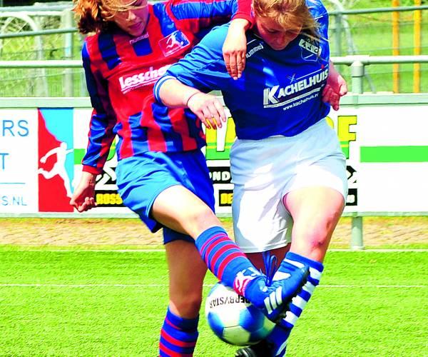 Dames Saasveldia MO15-1 kampioen