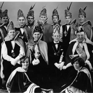 Antoon Morsink en Bas Jägermeister: <br />Een halve eeuw fotograferend en schrijvend over het carnaval in Denekamp e.o.