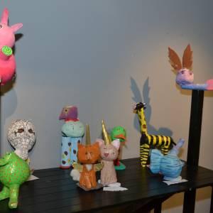 'Grappige', maar erg creatieve expositie 'Wondere Dieren' door leerlingen vmbo 2B van TCC Oldenzaal