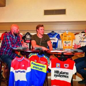 Gele en roze trui naar wielercafé Ronde van Overijssel op 16 april