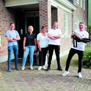 Stichting AED Weerselo krijgt de allernieuwste AED aangeboden