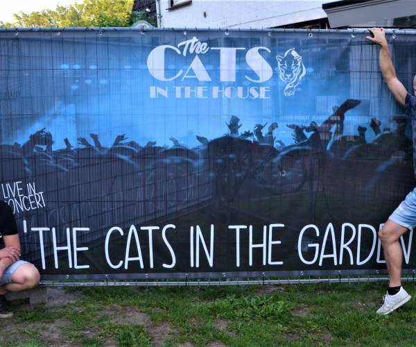 'The Cats In The House' viert oprichting 'Stichting' met concert voor genodigden : 'The Cats In The Garden'