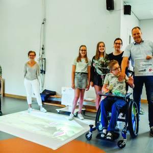 Aannemersbedrijf Niehof schenkt een OmiVista aan kinderen van dagverblijf de Toermalijn