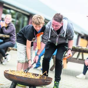 Olympische Spelen bij zorginstelling Boerderijcampus <br />Deelnemers samen aan de slag om de olympische vlam te ontsteken
