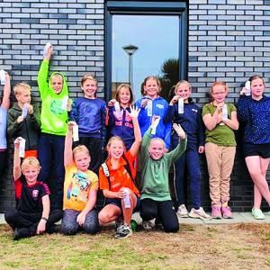 De Dinkel toont klasse voor publiek tijdens zwemwedstrijd in Zwolle
