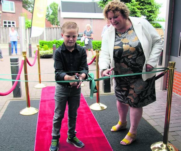 Vernieuwd Kulturhus 'De CoCeR' in Rossum nu geheel open
